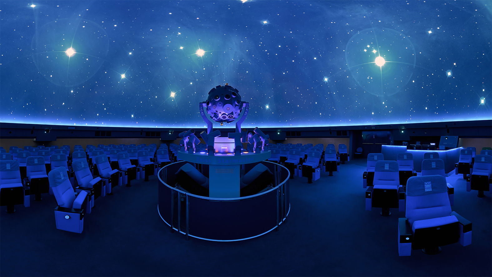 Indoor-Aktivät Planetarium Wolfsburg