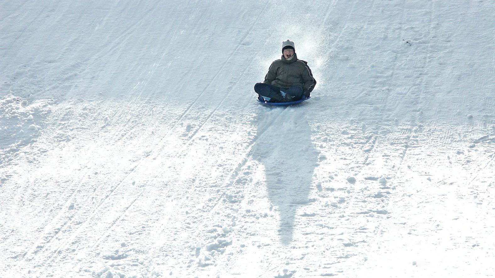 Rodeln im Harz: Da werden auch erwachsene Wintersportler wirder zu begeisterten Schlittenfahrern