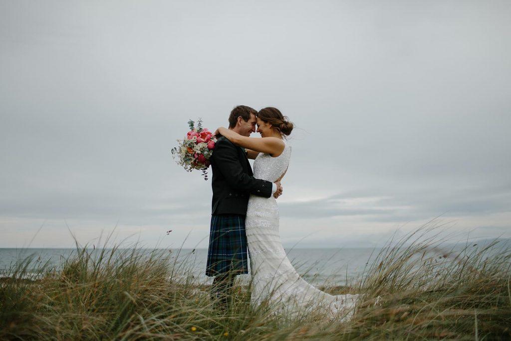Ja-Wort mit Meerblick: Auf Baltrum und im Wangerland kann man am Strand oder auf einer Düne heiraten.