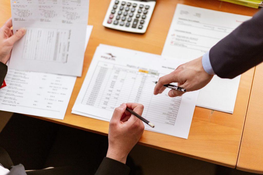 Für die meisten Unternehmensgründungen wirst du Fremdkapital brauchen – dafür ist ein gut überlegter Finanzplan unerlässlich.
