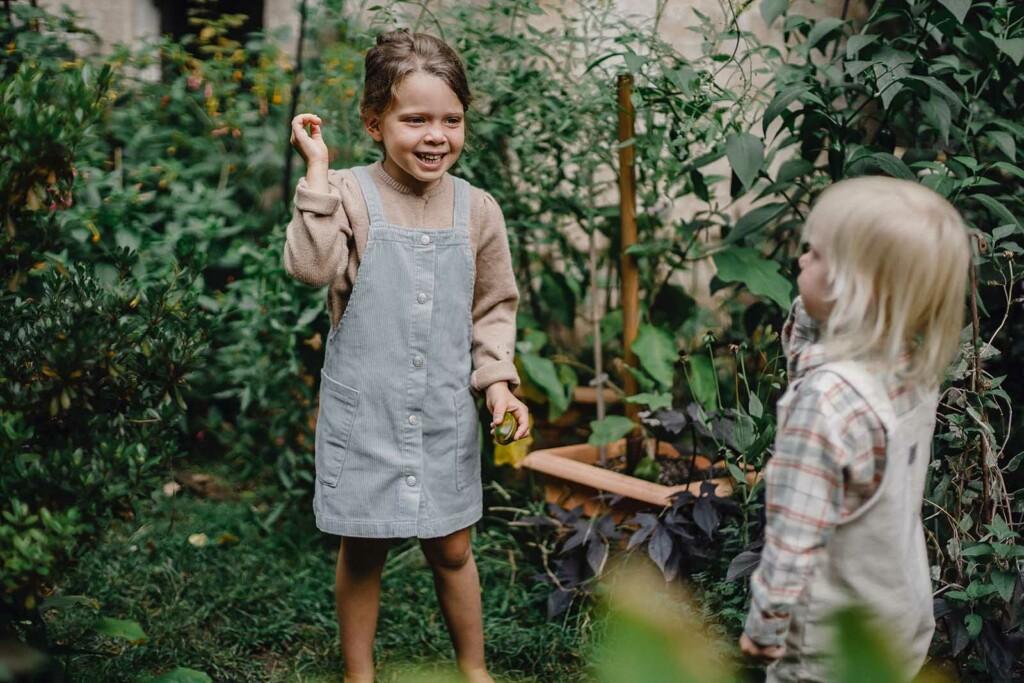 Umweltbewusstsein bedeutet auch als Familie Spass im Garten zu haben