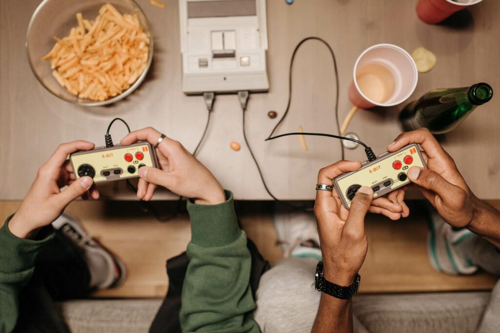 Online Games mit Freunden spielen