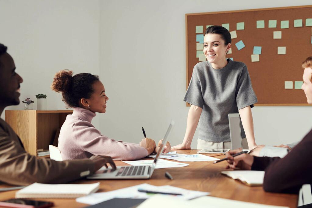 Sexuelle Belästigung am Arbeitsplatz trifft oft Frauen