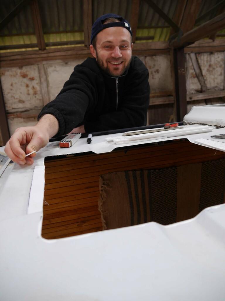Einbau Dachluke beim Camper Ausbau