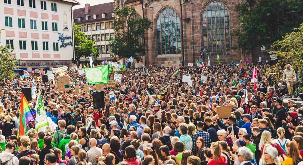 Tausende Klimaaktivisten streiken gegen den Klimawandel