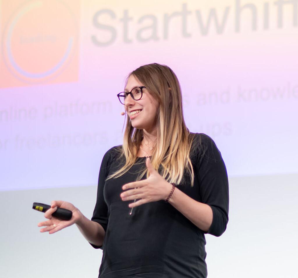 Anna Iversen als selbstständige Sprecherin